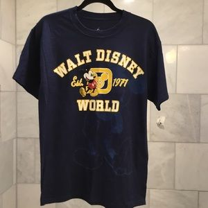 NWT Mickey Disney World t shirt
